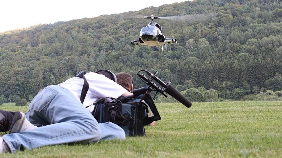 """""""Behind the scenes"""" bei den Modellbauern - Die Dreharbeiten. (c) DMAX"""