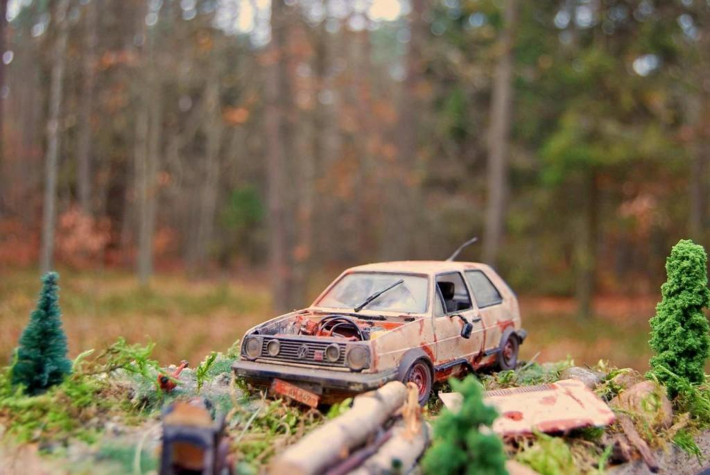 Golf GTI 1zu24 Wrack im Wald