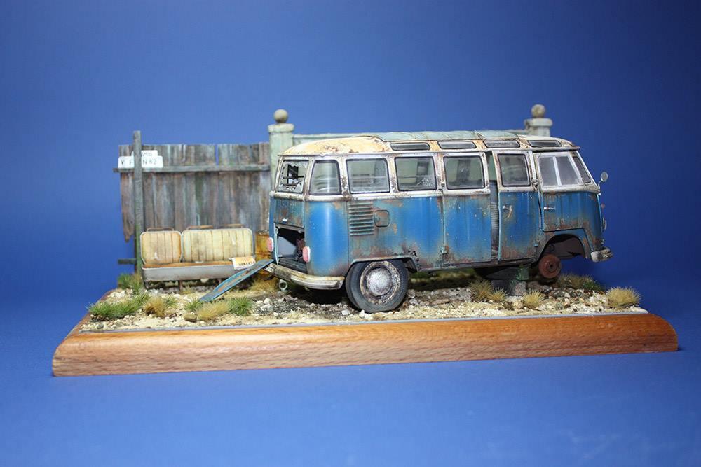 Volkswagen T1 Samba Bus 1zu24