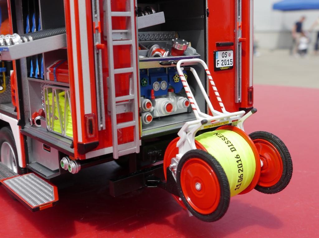 Schlingmann Feuerwehrauto Modell Details