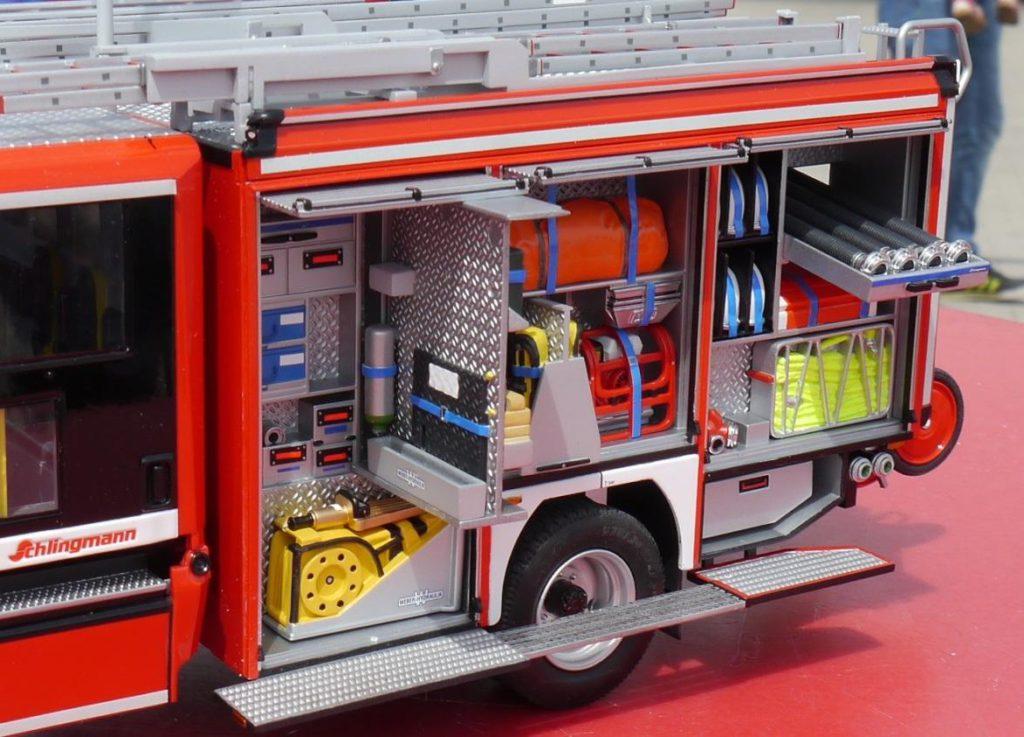 Schlingmann Feuerwehrauto Revell Modell