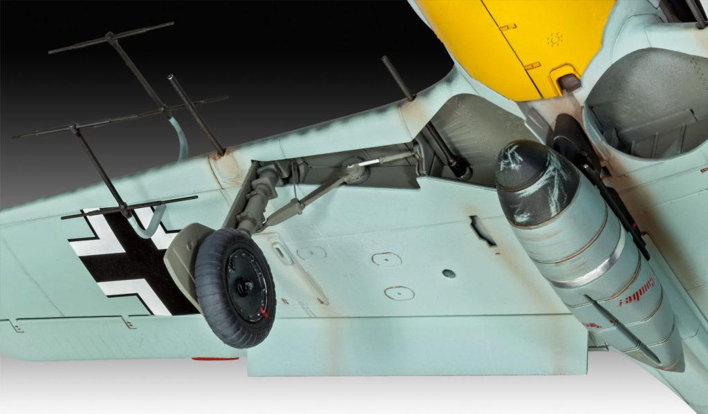 03926 Focke_Wulf_Fw190_A8_Nightfighter Fahrwerk Tragfläche
