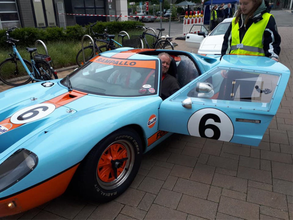 Werner Pitzner Blech-Picasso im Ford GT Gulf Racing